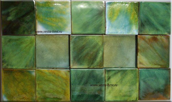 Зеленая майолика на изразцах