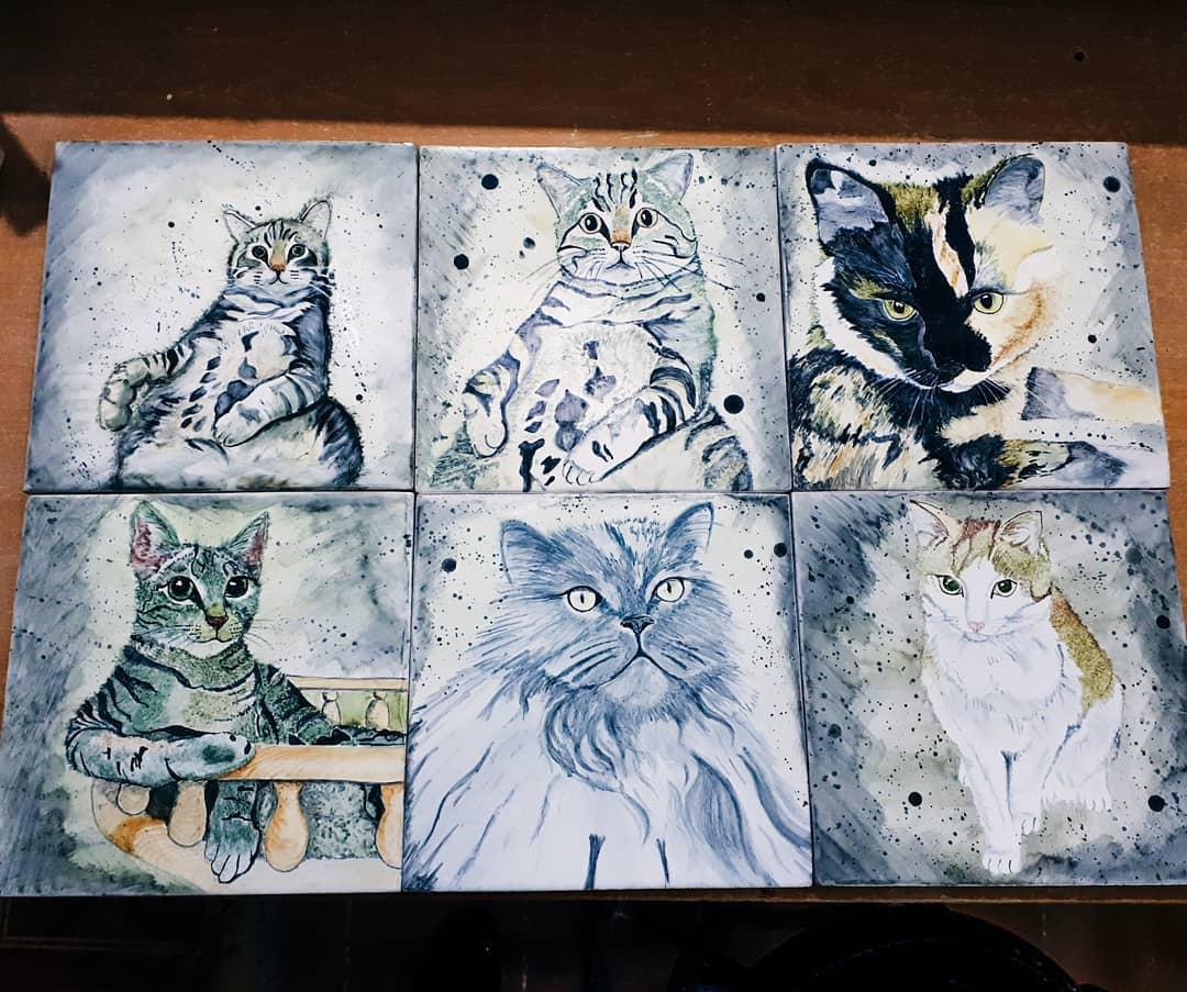 Кошки на изразцах