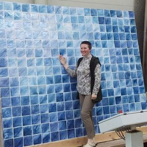 Синяя майолика на фасаде